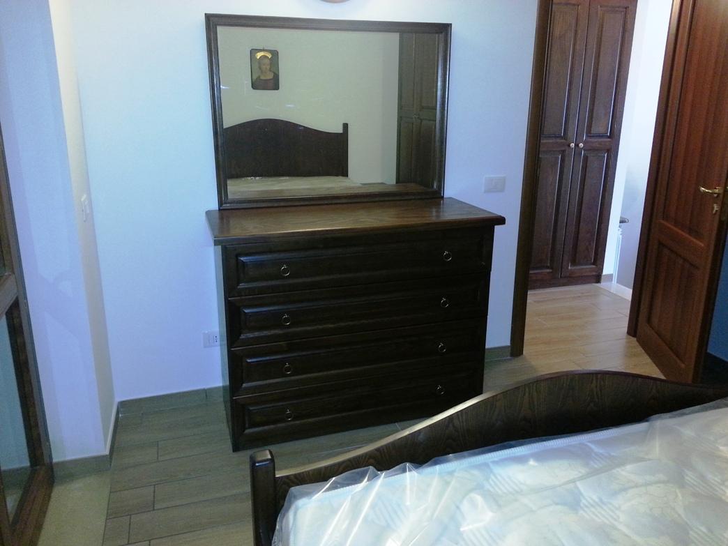 Camere da letto in legno massiccio mobili pino l armadio - Mobili bagno legno massiccio ...